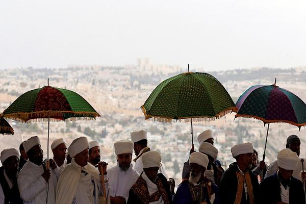 Image - Ethiopian Men in Israel